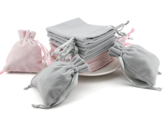 新作★ギフト巾着袋★アクセサリー ネックレス 指輪バッグ★収納バッグ