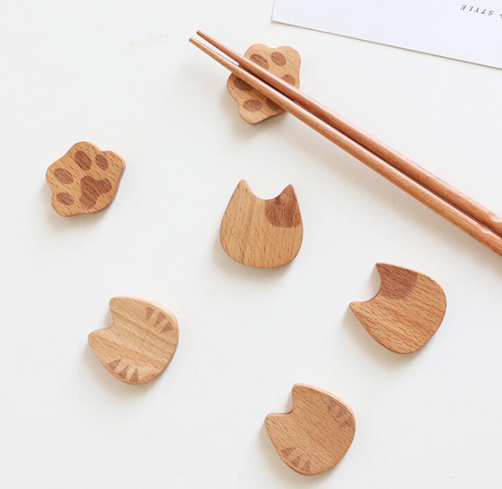雑貨★超人気★木製 可愛い猫の手箸置き★3種