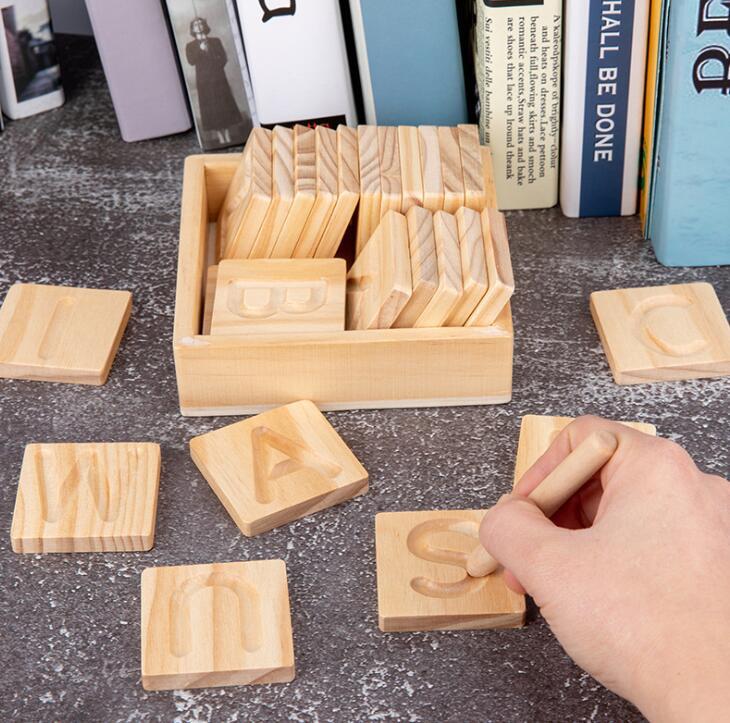 子供用品★知育玩具★おもちゃ・ホビー★遊びもの アルファペット 木製★