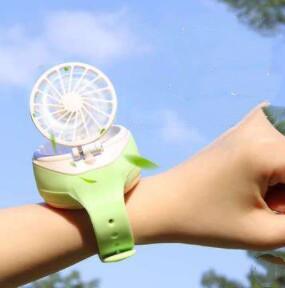 旅行用★腕時計ミニファン★子供用首ファン★夏対策★玩具★USB★3色