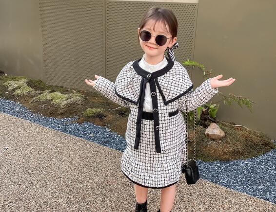 新作★大人気アパレル★女の子子供服★キッズ服★コート+スカート丈★2点セット