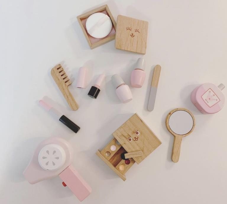 新入荷★ファション小物★ベビー用品★おもちゃ★玩具★知育玩具★木製